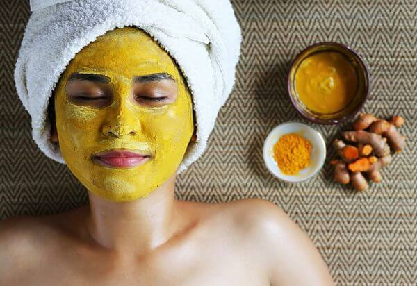 what does turmeric do for skin